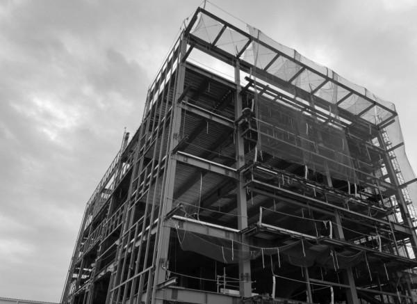 耐震診断や補強設計により、<br /> 既存建物の有効利用を目指して。
